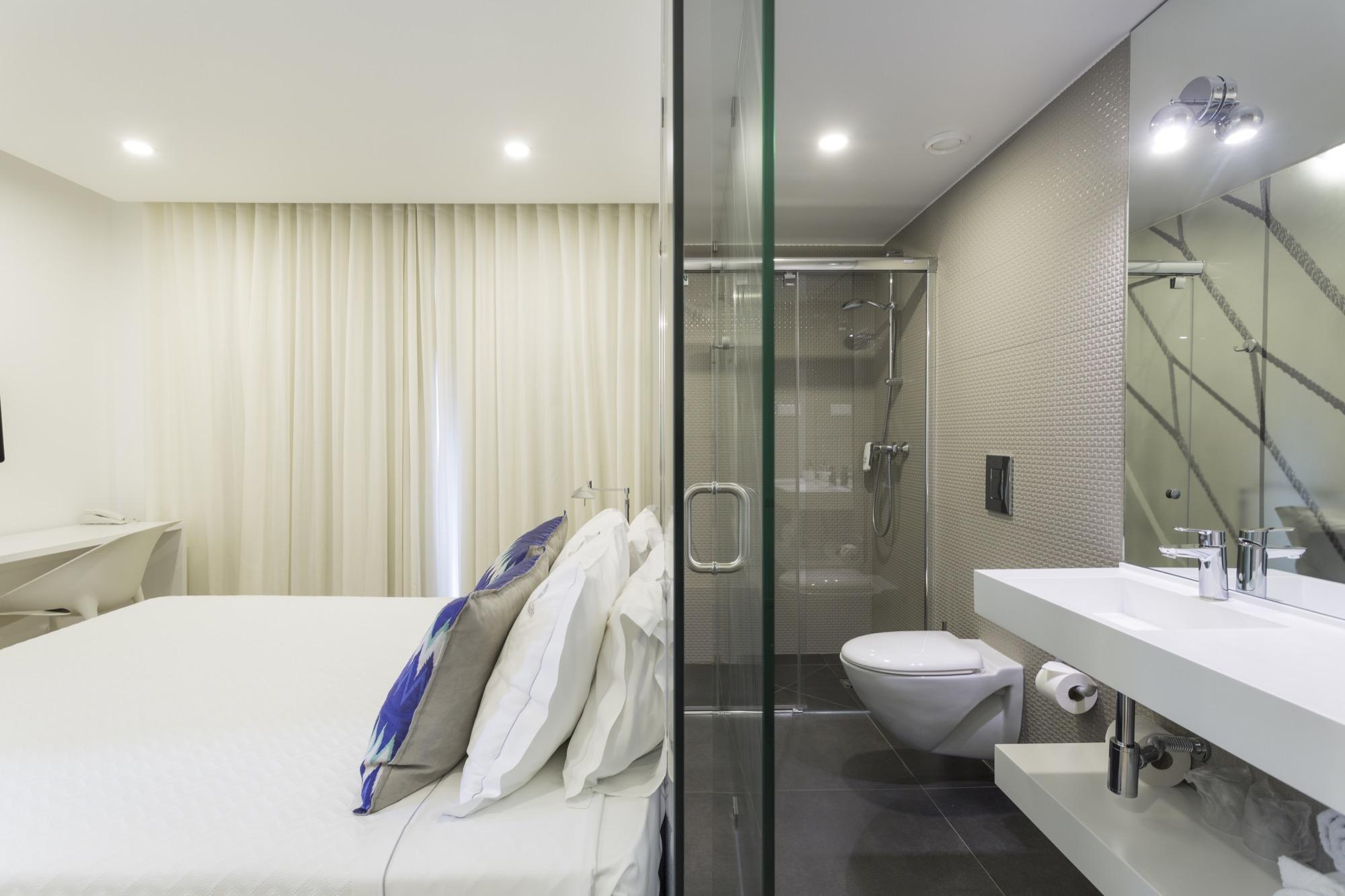 habitacion-banho-hotel-setubal